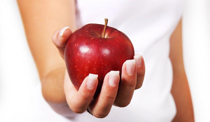 กินแอปเปิ้ลวันละลูกจะช่วยทำให้สุขภาพดี จริง…หรือมั่ว ?