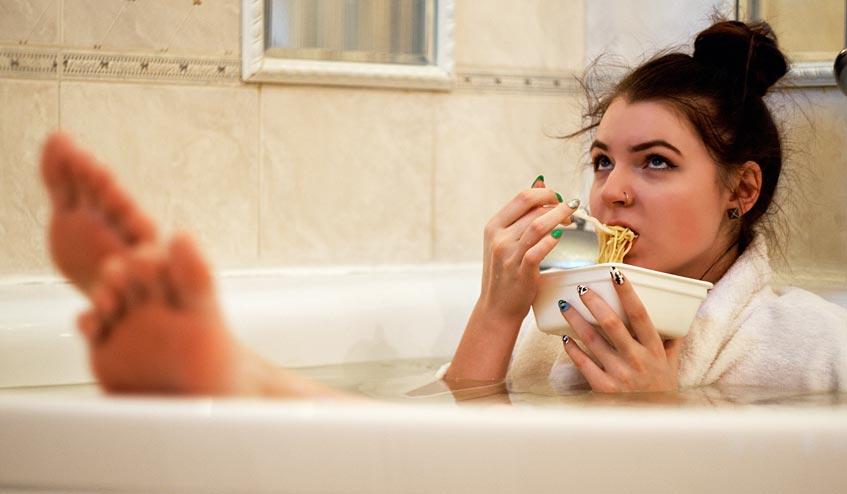 10 วิธี ที่ช่วยให้คุณไม่หิวในตอนกลางคืน