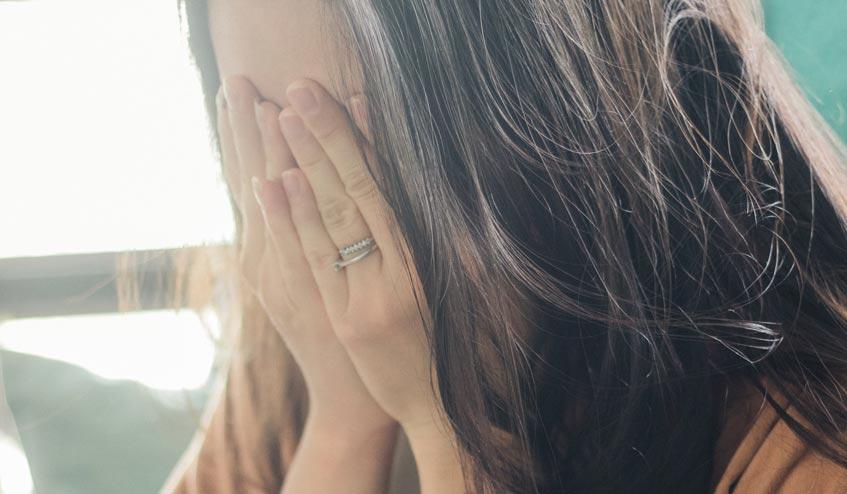 ปวดประจำเดือน : สาเหตุ และวิธีการรักษา [เกิดมาเป็นผู้หญิงไม่ง่ายเลย]