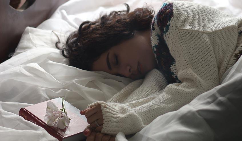 15 วิธี ในการปรับปรุงการนอนหลับให้ดีขึ้น