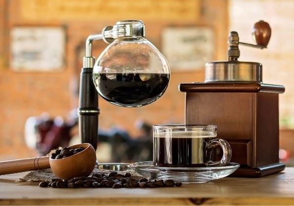 เครื่องชงกาแฟสุญญากาศ (Vacuum Coffee Machines)