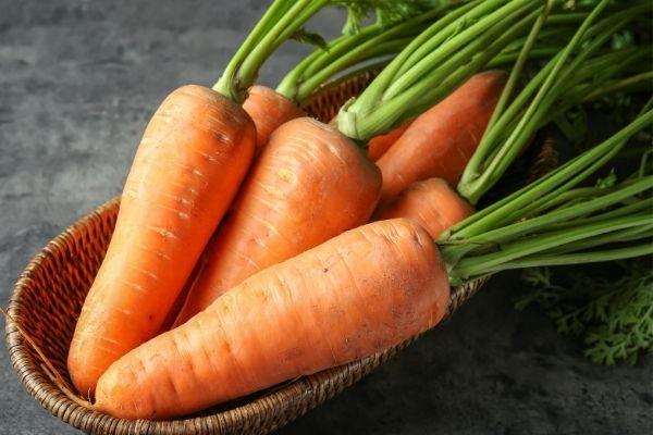 ผักที่มีรสหวานตามธรรมชาติ ได้แก่ แครอท